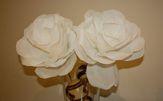 I love making things and I was pretty excited when I came across these crepe paper roses. Im going to try these out with thick patterned wall paper that I found so I'll let you know how it goes, but normal crepe paper is fantastic too! In the US you can buy double sided crepe paper which is a bit thicker and works well.    To download the template just click […]