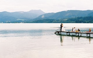 I'd like to welcome Birgit Hart Fotografie to SYW, I love her work and Im so pleased to have Estelle and Hubert's wedding up on the blog today.  Im sure you'll agree what a beautiful wedding this is. It was held in Bavaria on Lake Tegernsee. I love the relaxed and fun loving vibe and how stunning is Estelle's dress! I think the purple flower bracelets the bridesmaids wore are a […]